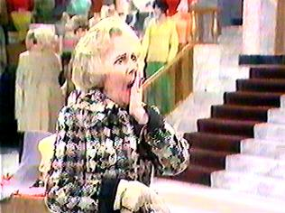 The Are You Being Served Gallery on YCDTOTV.de   Path: www.YCDTOTV.de/aybs_img/d1_33.jpg