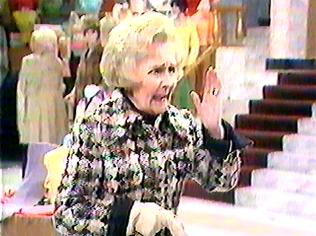 The Are You Being Served Gallery on YCDTOTV.de   Path: www.YCDTOTV.de/aybs_img/d1_34.jpg