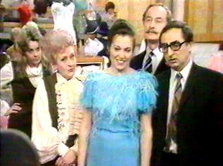 The Are You Being Served Gallery on YCDTOTV.de   Path: www.YCDTOTV.de/aybs_img/d3_261.jpg