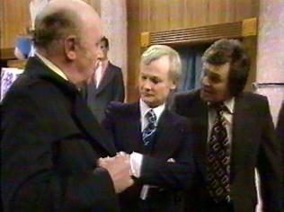 The Are You Being Served Gallery on YCDTOTV.de   Path: www.YCDTOTV.de/aybs_img/d3_342.jpg