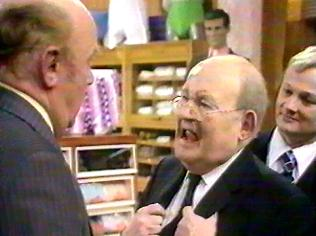 The Are You Being Served Gallery on YCDTOTV.de   Path: www.YCDTOTV.de/aybs_img/d3_357.jpg